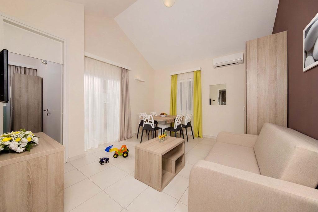 Turističko naselje - apartmani SOL KATORO 4*